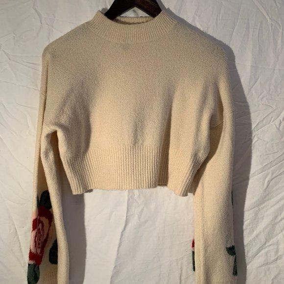 H&M Cropped Cream Rose Knit Sweater